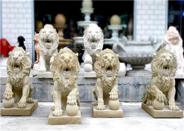 喷水石狮子